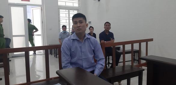 Làm giả giấy tờ để lừa đảo, cựu cán bộ Công an Hà Nội lãnh 10 năm tù - Ảnh 1.