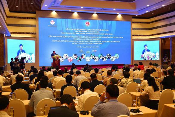 Có nền kinh tế mở hàng đầu thế giới, nhưng Việt Nam kiếm được rất ít trong chuỗi giá trị - Ảnh 1.