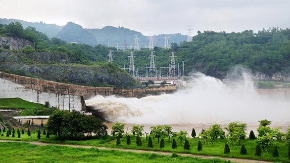 Sáng mai 30-9, thủy điện Hòa Bình mở 1 cửa xả đáy - Ảnh 1.