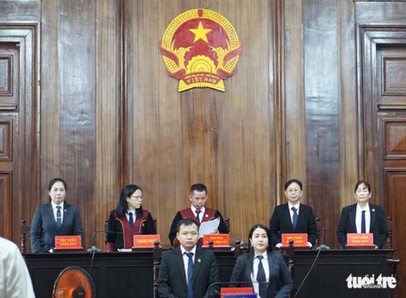 Cựu giám đốc Công ty Lương thực Trà Vinh lãnh 30 năm tù - Ảnh 2.
