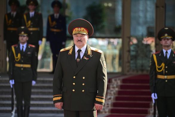 Anh và Canada áp trừng phạt lên tổng thống Belarus và các quan chức - Ảnh 1.