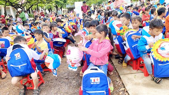 Quỹ Hiểu về trái tim mang quà Trung thu đến với trẻ em Đắk Lắk - Ảnh 2.