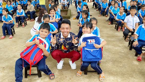 Quỹ Hiểu về trái tim mang quà Trung thu đến với trẻ em Đắk Lắk - Ảnh 3.