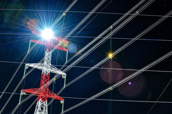 Đường dây 500 kV đầu tiên do tư nhân đầu tư đóng điện thành công - Ảnh 1.