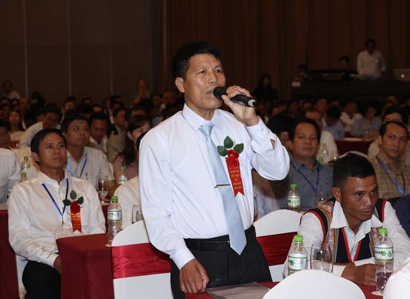 Nông dân đặt nhiều câu hỏi nóng với Thủ tướng - Ảnh 2.