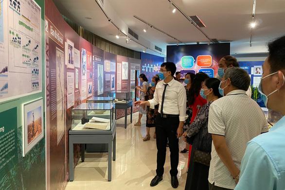 Trưng bày di sản các nhà khoa học Việt Nam - Ảnh 1.