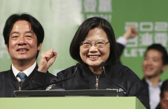 Bà Thái Anh Văn nói hộ chiếu mới là ao ước chung của người Đài Loan, Trung Quốc nói gì? - Ảnh 2.