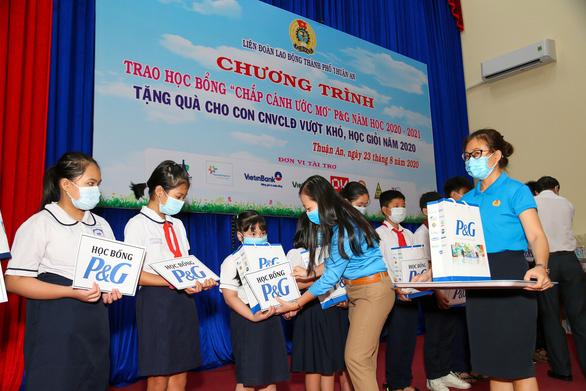Nhiều dự án cộng đồng thiết thực mừng 25 năm P&G tại Việt Nam - Ảnh 1.