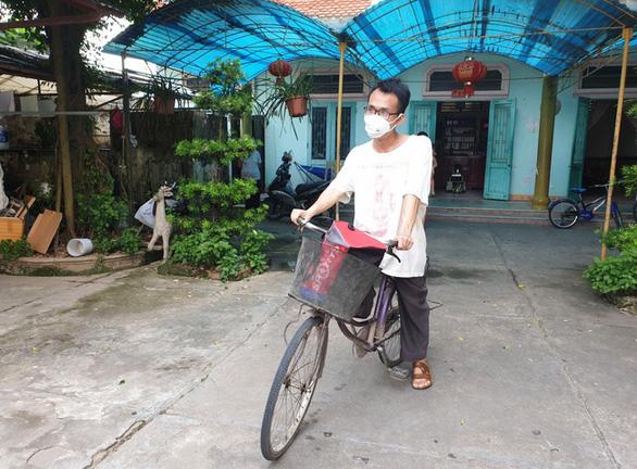 Hoàn cảnh khó khăn, thí sinh đạp xe hơn 30km từ Nam Định sang Thái Bình dự thi THPT - Ảnh 1.