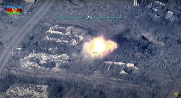 Azerbaijan tuyên bố phá hủy hệ thống phòng không S-300 và 130 xe tăng Armenia - Ảnh 1.