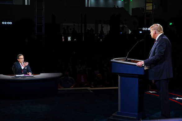 Chris Wallace: Muốn vô hình mà không được trong tranh luận Trump - Biden - Ảnh 1.