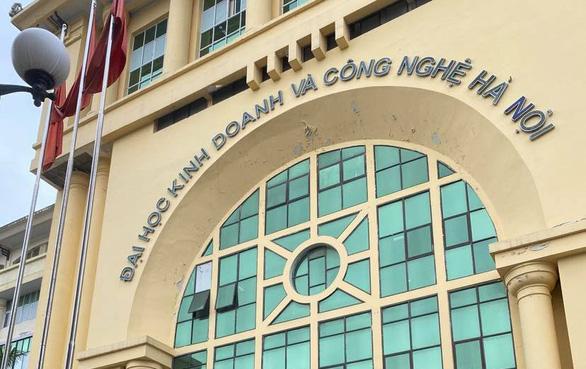 Bộ GD-ĐT sẽ xử nghiêm trường ĐH tuyển sinh chui hơn 3.000 sinh viên - Ảnh 1.
