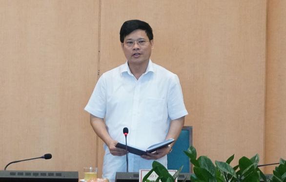 Thấy COVID-19 được kiểm soát, lãnh đạo 6 quận, huyện Hà Nội bỏ họp chống dịch - Ảnh 1.