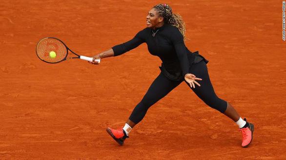 Serena Williams chia tay Roland Garros do chấn thương gót chân - Ảnh 1.