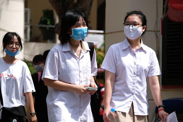 Điểm chuẩn Khoa quốc tế - ĐH Quốc gia Hà Nội tăng từ 1,75 đến 4 điểm - Ảnh 1.