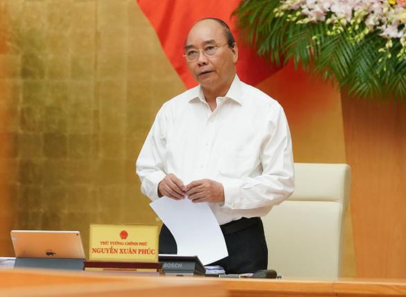 Thủ tướng: Mong công chức tận tụy với người dân, làm chậm, gây phiền hà sẽ bị xử nghiêm - Ảnh 1.