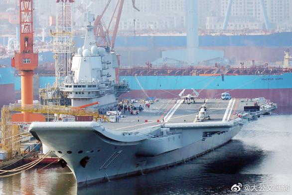 Trung Quốc chuẩn bị đưa tàu sân bay ra Biển Đông - Ảnh 1.