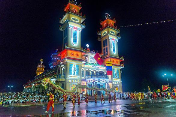 Hành hương xuyên Việt đừng bỏ qua Tây Ninh - Ảnh 1.