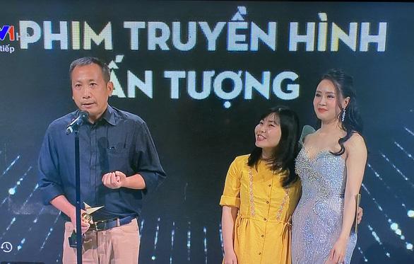 VTV Awards 2020: Hoa hồng trên ngực trái đại thắng, Hồng Diễm lên ngôi - Ảnh 3.