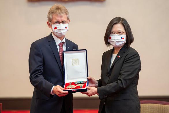 Trung Quốc tiếp tục chỉ trích đoàn Czech đến thăm Đài Loan là đe dọa chủ quyền - Ảnh 1.