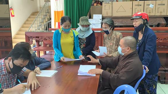 Vụ thất lạc tro cốt ở chùa Kỳ Quang 2: Sẽ để người thân trực tiếp đến tìm hũ cốt - Ảnh 1.