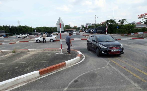 Chính phủ thống nhất để Bộ Công an sát hạch cấp bằng lái xe - Ảnh 1.