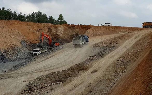 153 nhà thầu giành quyền xây dựng 3 dự án đường cao tốc Bắc - Nam - Ảnh 1.