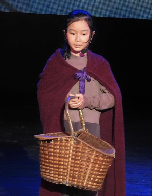 Nhạc kịch Cô bé bán diêm của học sinh Hà Nội cháy vé giữa mùa dịch - Ảnh 1.