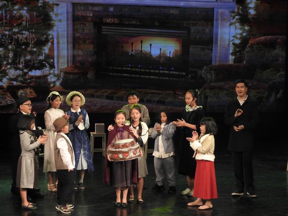 Nhạc kịch Cô bé bán diêm của học sinh Hà Nội cháy vé giữa mùa dịch - Ảnh 2.