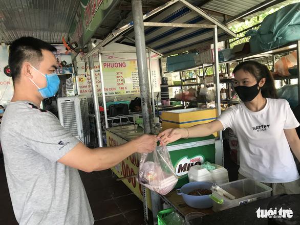 Sau mở cửa, Đà Nẵng vẫn mở rộng xét nghiệm COVID-19 - Ảnh 1.