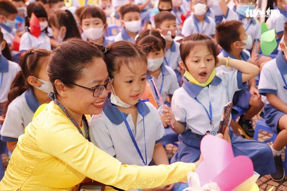 Phó thủ tướng Trương Hòa Bình dự lễ khai giảng năm học mới sáng 6-9 - Ảnh 1.