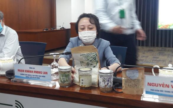 Vụ patê Minh Chay: Nhiều khách hàng đòi giữ sản phẩm để được bồi thường - Ảnh 1.