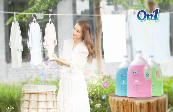 Nâng tầm nước giặt bằng hương thơm tinh tế - Ảnh 1.