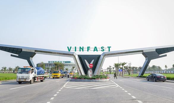Hà Nội nghiên cứu khai thác 10 tuyến xe buýt điện - Ảnh 1.