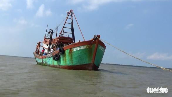 Bắt giam thuyền viên dùng búa đánh chết chủ tàu cá - Ảnh 2.