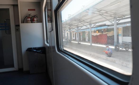 Đi tàu hỏa mùa dịch - Ảnh 3.