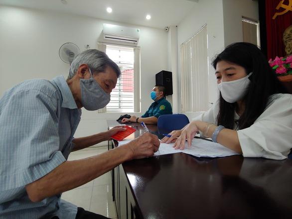 Hà Nội 'chốt' số cán bộ, công chức phường tối đa 23 người - Ảnh 1.