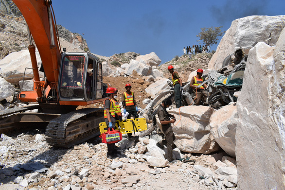 Collapsed marble quarries killed 19 people in Pakistan - Photo 1.