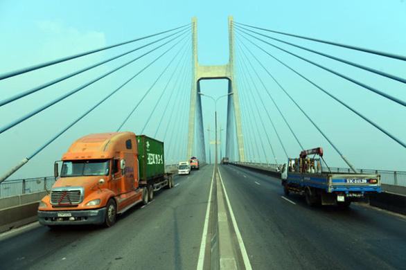 TP.HCM yêu cầu doanh nghiệp xây dựng sửa chữa khe co giãn cầu Phú Mỹ - Ảnh 1.