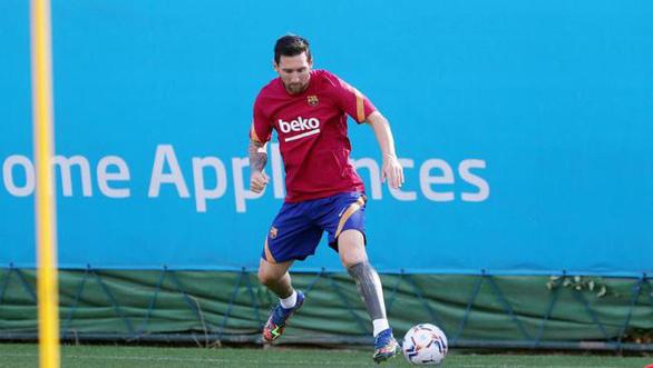 HLV Koeman cảnh cáo: Messi không có đặc quyền gì ở Barca - Ảnh 1.