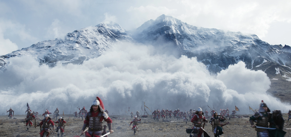 Mulan: Phương Đông vô hồn, trống rỗng - vai diễn đáng quên của Củng Lợi - Ảnh 4.