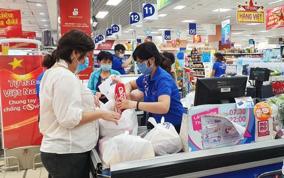Ngày cuối tích sao nhận quà thiết thực tại hệ thống hơn 100 siêu thị thuần Việt - Ảnh 1.