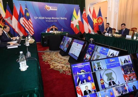 Ngoại trưởng Trung Quốc: Mỹ làm gia tăng quân sự hóa ở Biển Đông - Ảnh 1.