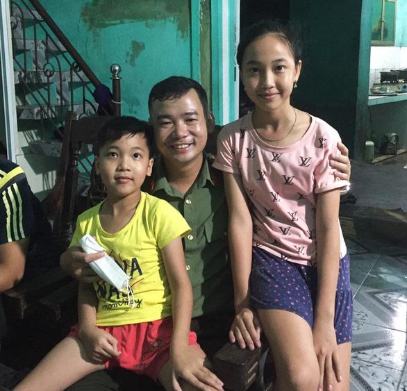 Vợ ở Sài Gòn không gửi tiền, bố trẻ ôm hai con nhảy kênh quyết tự tử - Ảnh 1.