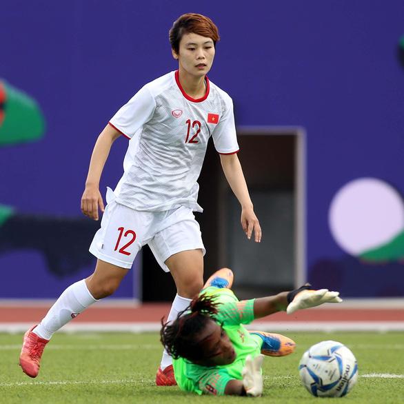 Ba tuyển thủ bóng đá nữ Việt Nam: Nóng lòng sang Bồ Đào Nha thi đấu - Ảnh 2.