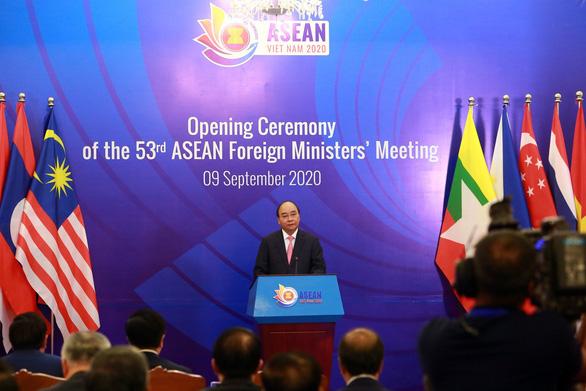 Thủ tướng Nguyễn Xuân Phúc kêu gọi thượng tôn pháp luật ở Biển Đông - Ảnh 1.