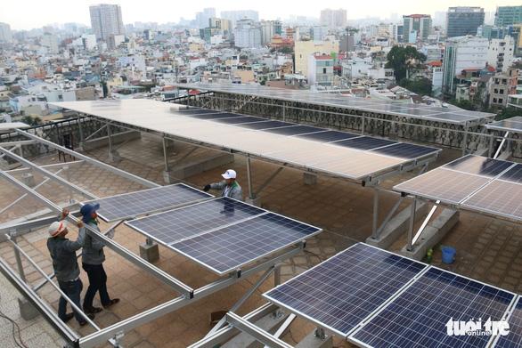 Ra mắt nền tảng số giúp người dân dễ dàng lắp điện mặt trời mái nhà - Ảnh 1.