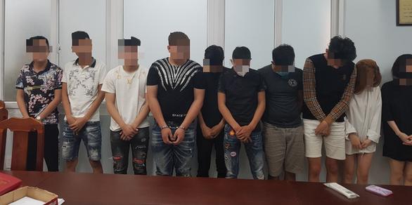 Phát hiện 12 nam nữ thanh niên dự tiệc ma túy ngày cuối năm tại căn hộ chung cư - Ảnh 1.