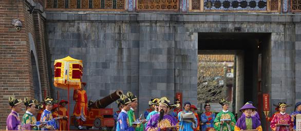 Tái hiện lễ  phát lịch của triều Nguyễn lần đầu tiên sau 180 năm - Ảnh 2.