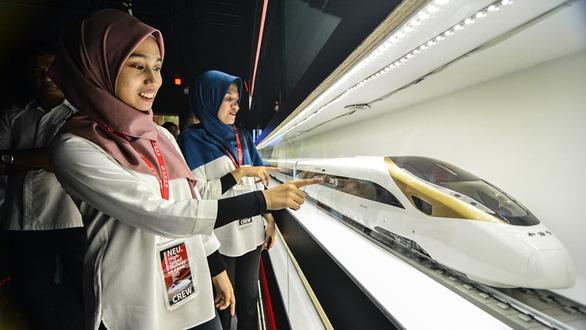 Singapore và Malaysia hủy bỏ dự án đường sắt cao tốc vì hết tiền do COVID-19 - Ảnh 1.
